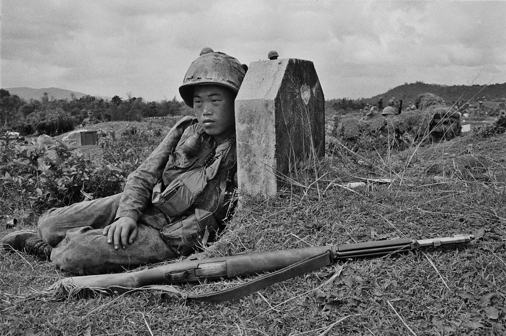 12.KOREAN MARINE AFTER FIREFIGHT.jpg