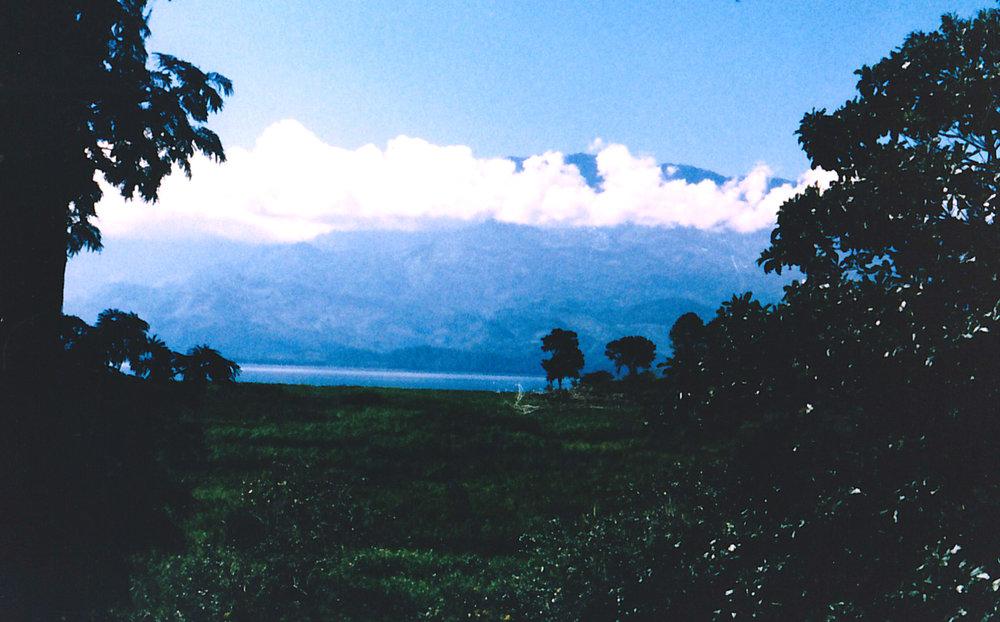Lake-Yohoa-19.jpg