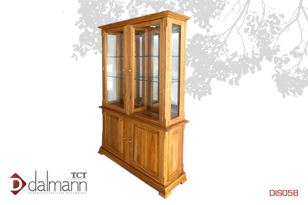 DIS05B - Classico  - Cristaleira - Especial/Display Cabinet - Special   Na   Beira  - Mt42,599.99/ c  om TPT  - Mt48,599.99  1270mm (Comp) x 410mm (Larg) x 2000mm (Alt)