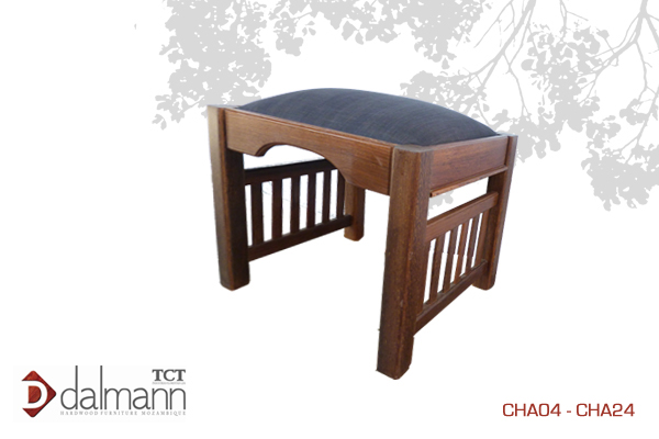 CHA04 - Savane  - Banquinho/Dressing Table Stool  A partida/From   Na   Beira  - Mt4,399.99/ c  om TPT  - Mt4,999.99