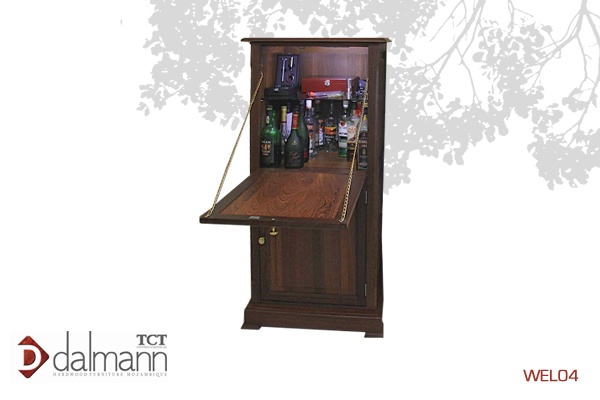 WEL04 - Classico - Armario de Bar/Bar Cabinet   Na  Beira - Mt24,899.99/ c  om TPT - Mt26,999.99  670mm (Comp) x 590mm (Larg) x 1330mm (Alt)