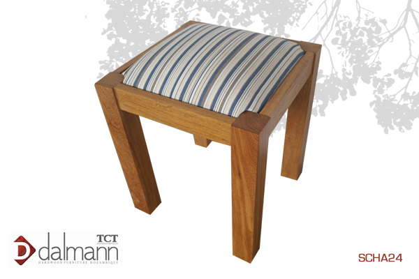 SCHA04 - Sangussi  - Banquinho/Dressing Table Stool  A partida/From   Na   Beira  - Mt3,699.99/ c  om TPT  - Mt4,199.99