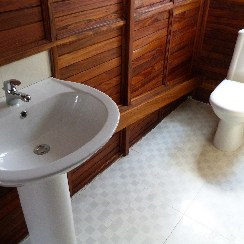 Os clientes podem personalizar a sua casa de banho - Customers can supply and fit their own bathrooms