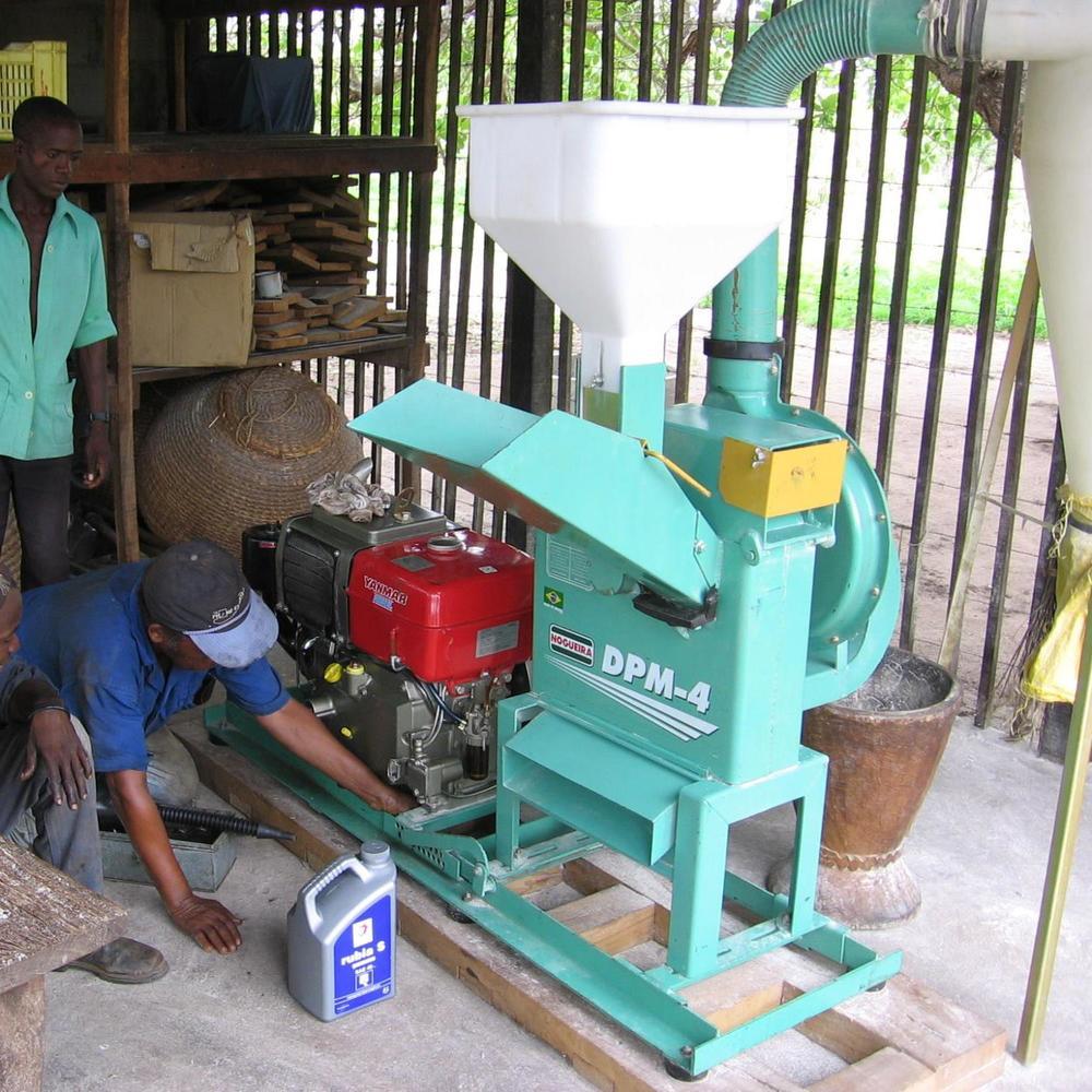 O primeiro moinho  - First grinding mill