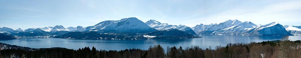 Sunnmorsalpane-vinter-Panorama-39x198cm.jpg