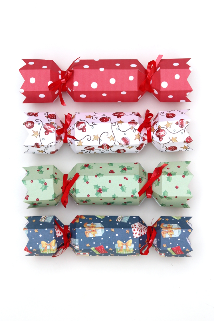 Printable diy christmas crackers gathering beauty diy christmas crackers with free printable template solutioingenieria Image collections