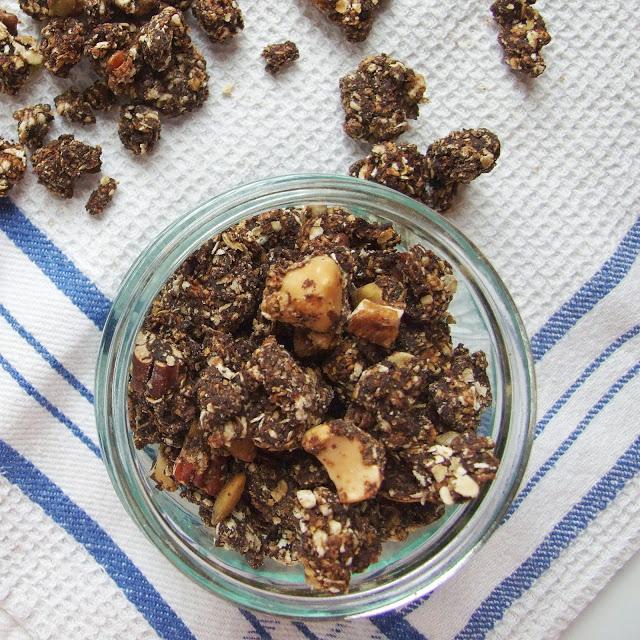 Crunchy Chocolate Granola - Gathering Beauty
