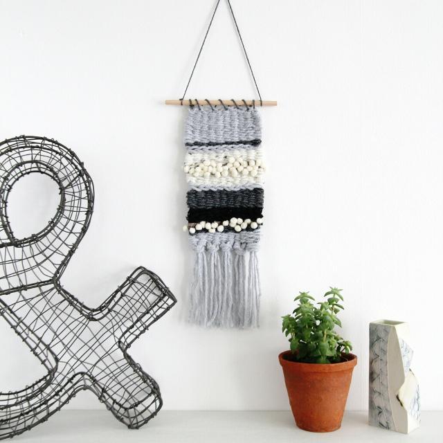 Make this Diy Mini Weaving using a clipboard as a loom