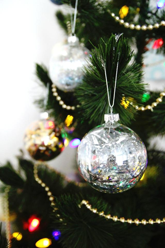 Diy Sparkle filled Christmas Baubles