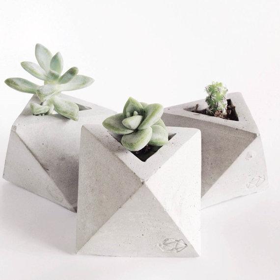 CONCRETE GEOMETRIC - Tiny pots for tiny succulents.