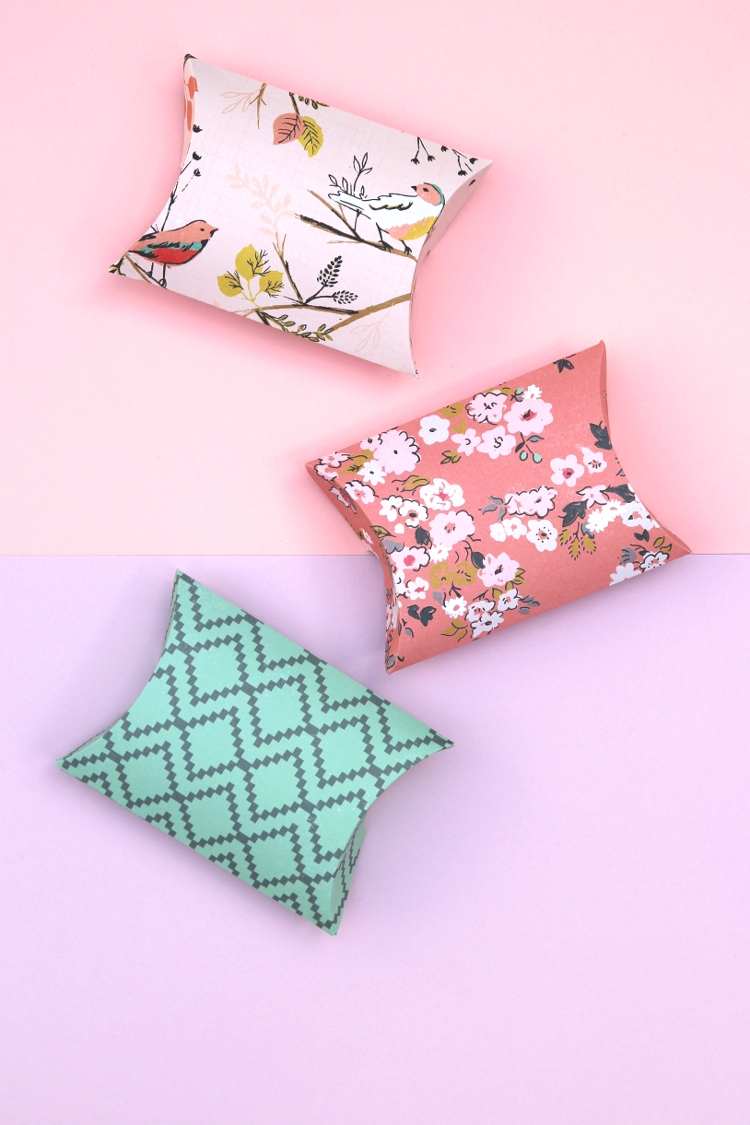 FREE PRINTABLE PILLOW BOXES.