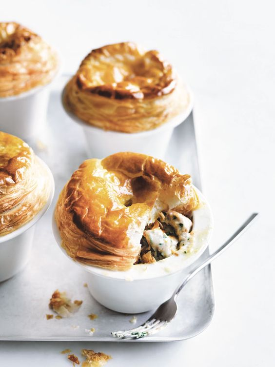 https://www.donnahay.com.au/recipes/dinner/chicken-and-chive-pot-pies