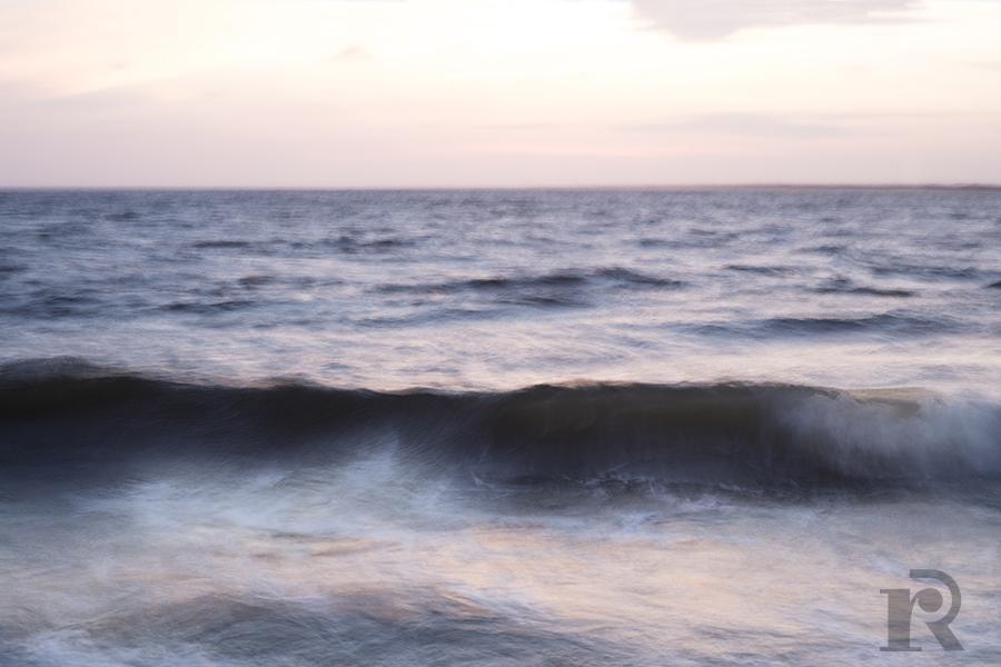 wave blur.jpg