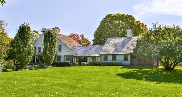 Paul Newman and Joanne Woodward's Westport CT Home is for sale Image via Westport News