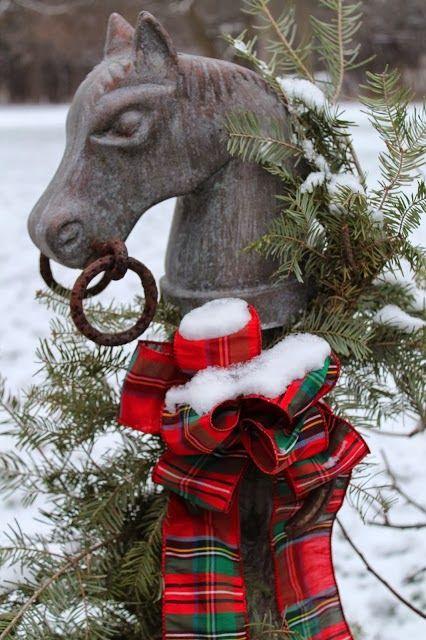 Equestrian Christmas Decor Image via Pinterest