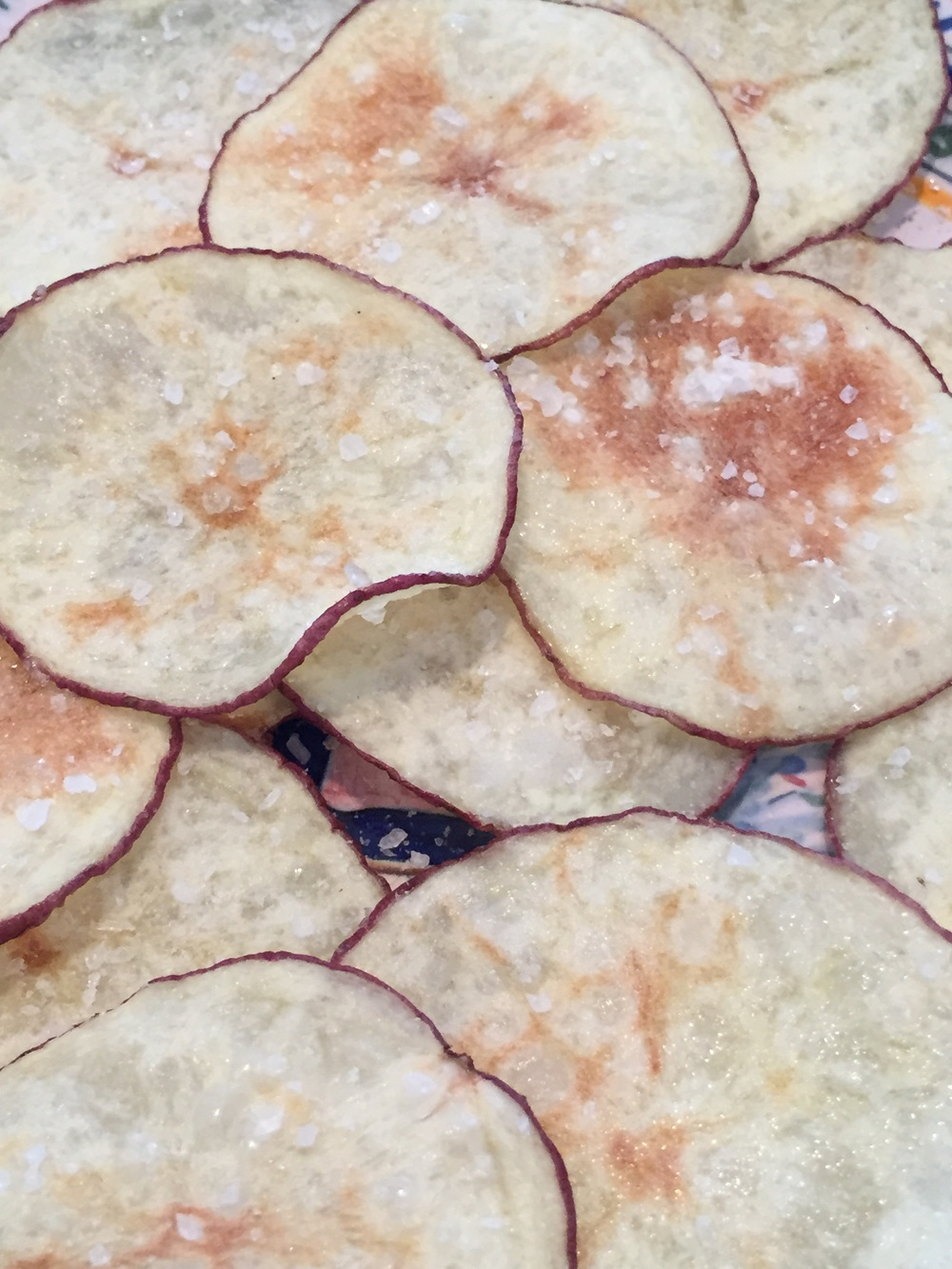 Skinny crunchy potato chips from the microwave via The Entertaining House