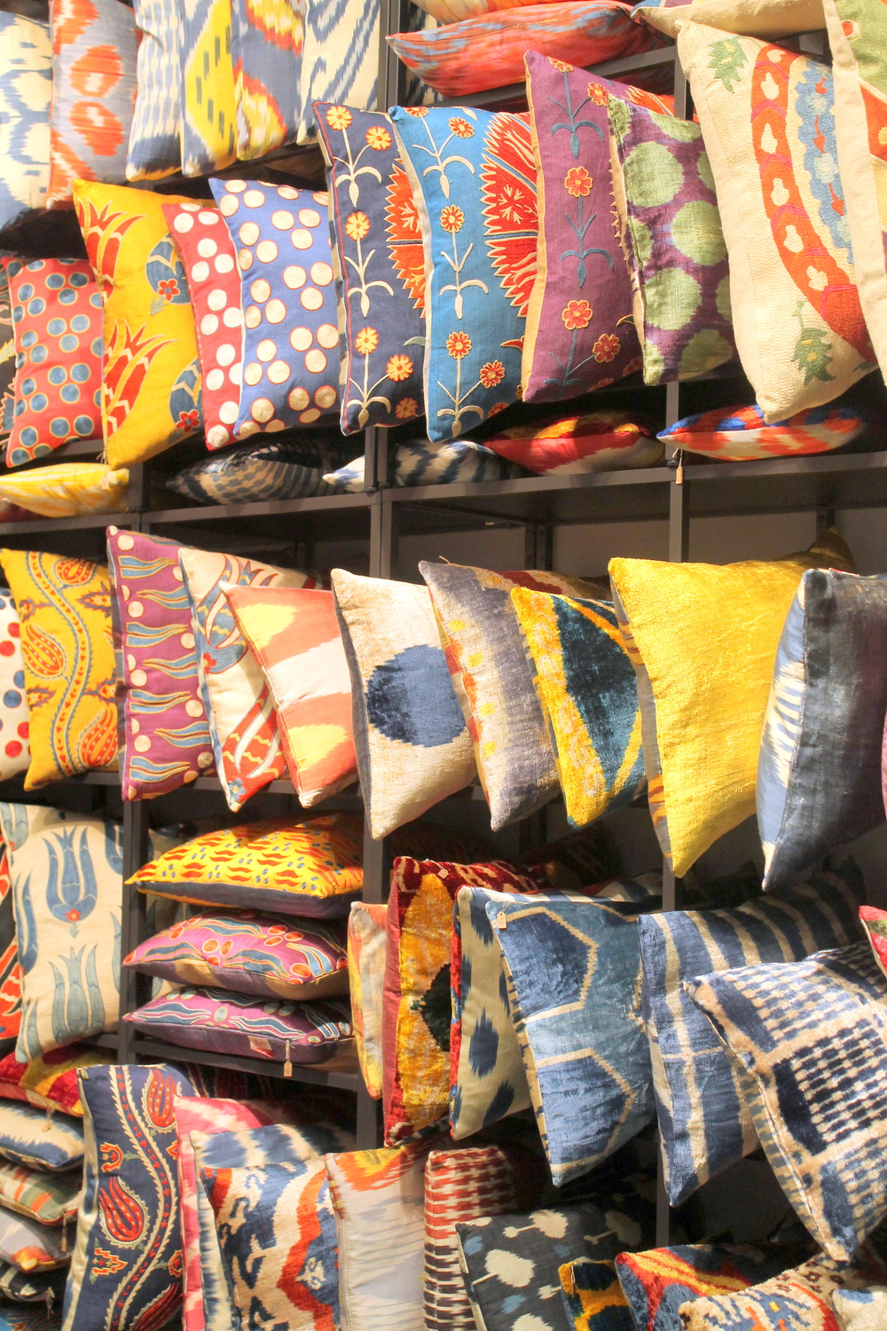 Mehmet Cetinkaya Gallery brings us beautiful fabrics from Istanbul. For more visit their  website.