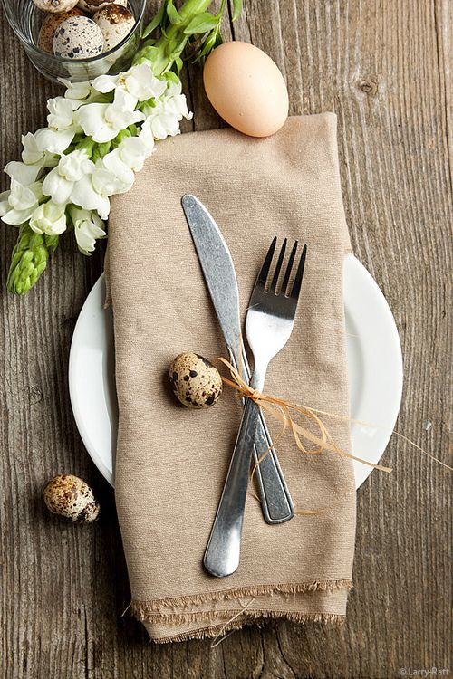 Simple and elegant ideas for your Easter table. Image via Larry Ratt.