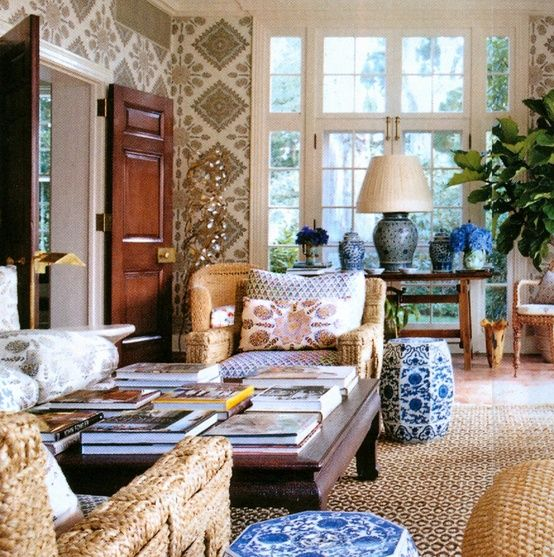 It should be no surprise to readers that Tory Burch should have an elegant wicker filled room in her elegant and beachy Southampton home. Image via Vogue.