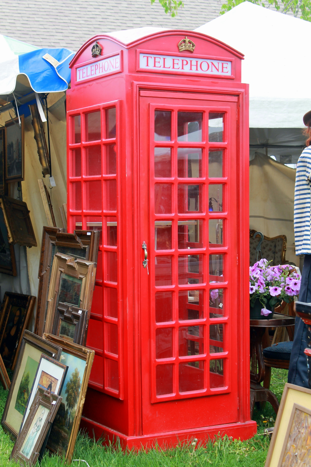 These old British phone booths are becoming obsolete. Would make for a fun phone charging station in a home that could accommodate this!