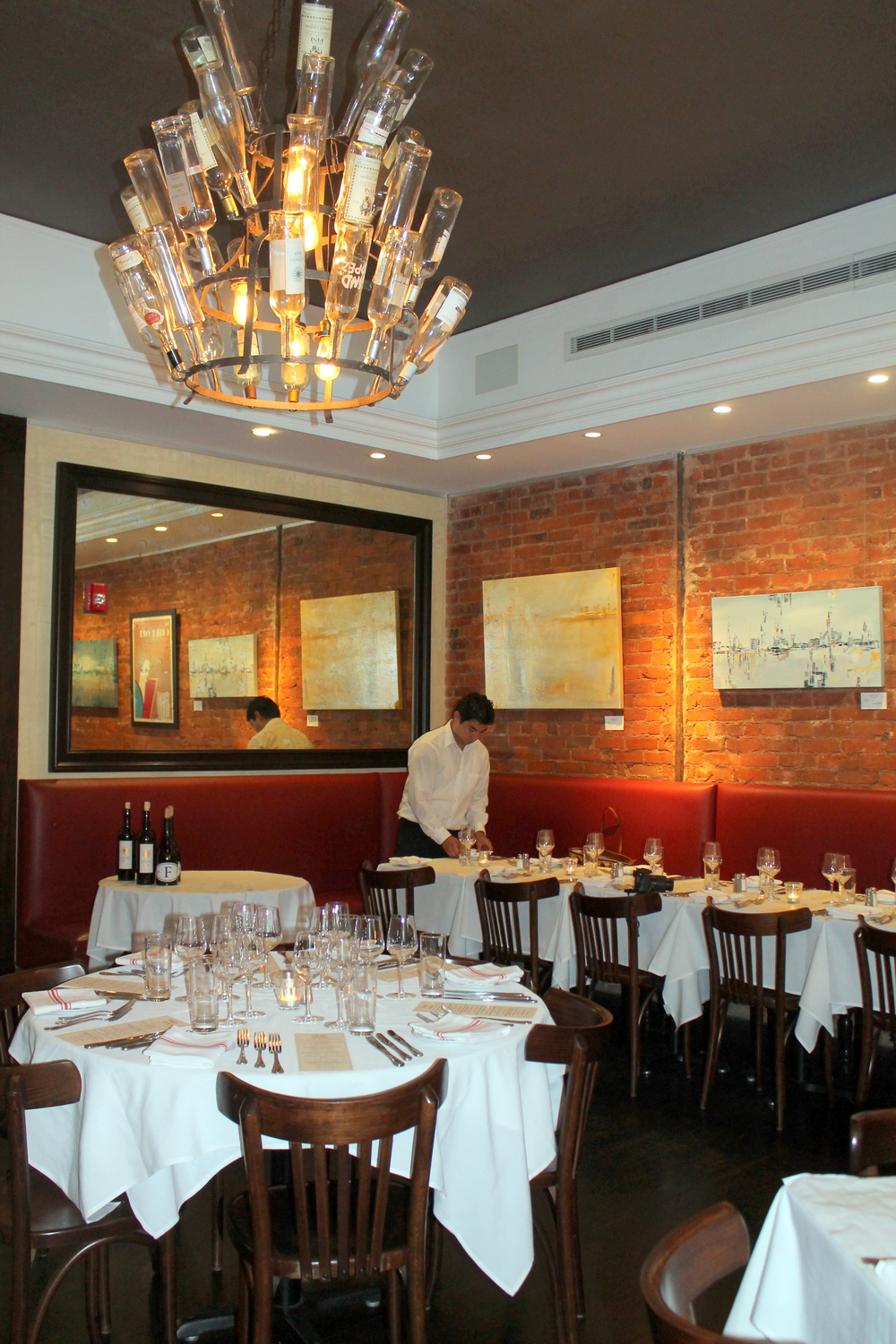 Bistro Versailles, Greenwich, CT, Image property of Jessica Gordon Ryan