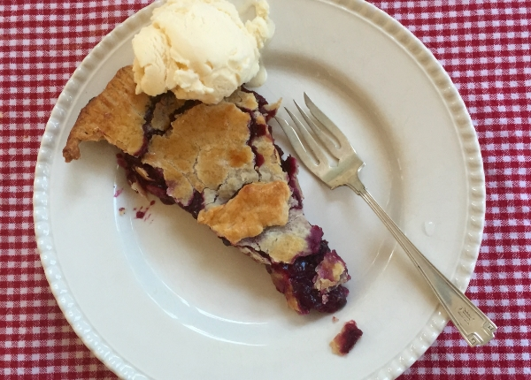 Simple blueberry pie. The Entertaining House. Image Jessica Gordon Ryan - taken with iPhone6
