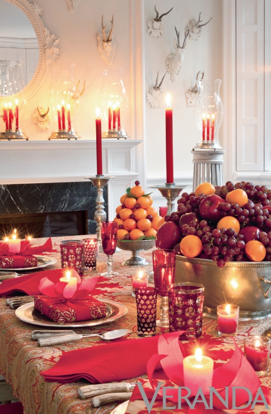 Decorating for the holidays naturally :: When a simple orange becomes anything but. The Entertaining House. Image via Veranda Magazine.