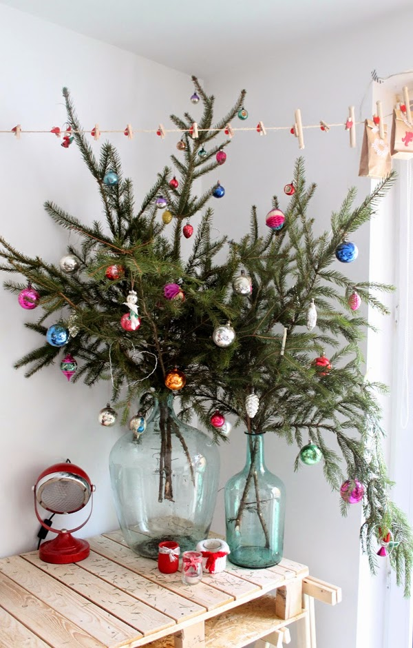 Decorating for the holidays :: Decorating for the holidays when you don't have a tree. The Entertaining House. Image  via .