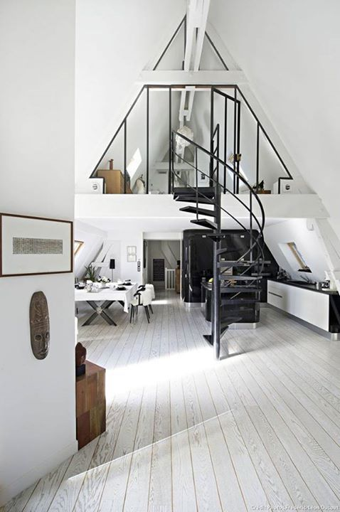 A Frame Crush. The Entertaining House. Image Via Freshome