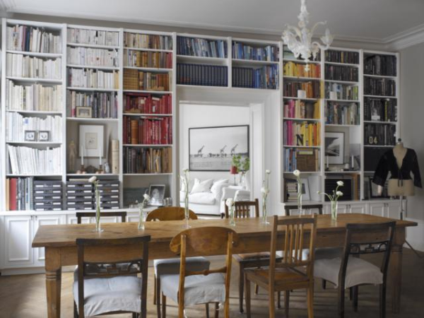 Stunning ways to incorporate your book collections into your home decor. Image via Today Home