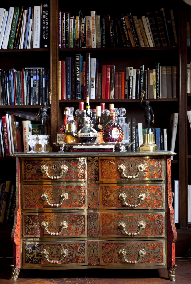 20 Stirring Ideas for Creating a Stunning at home Bar. Image M. Frederick Design