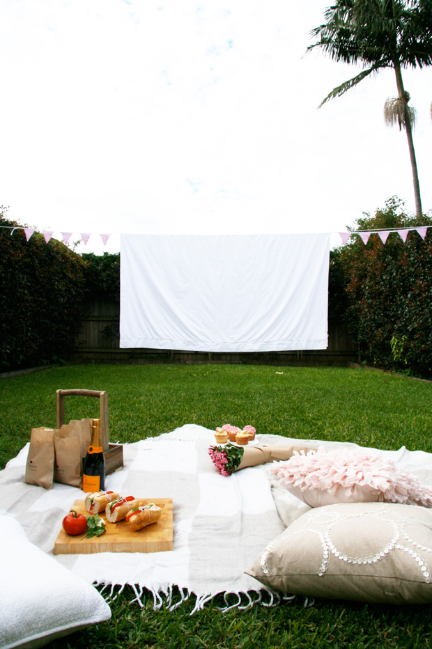 Have an outdoor movie picnic. Image via Pretty Fluffy
