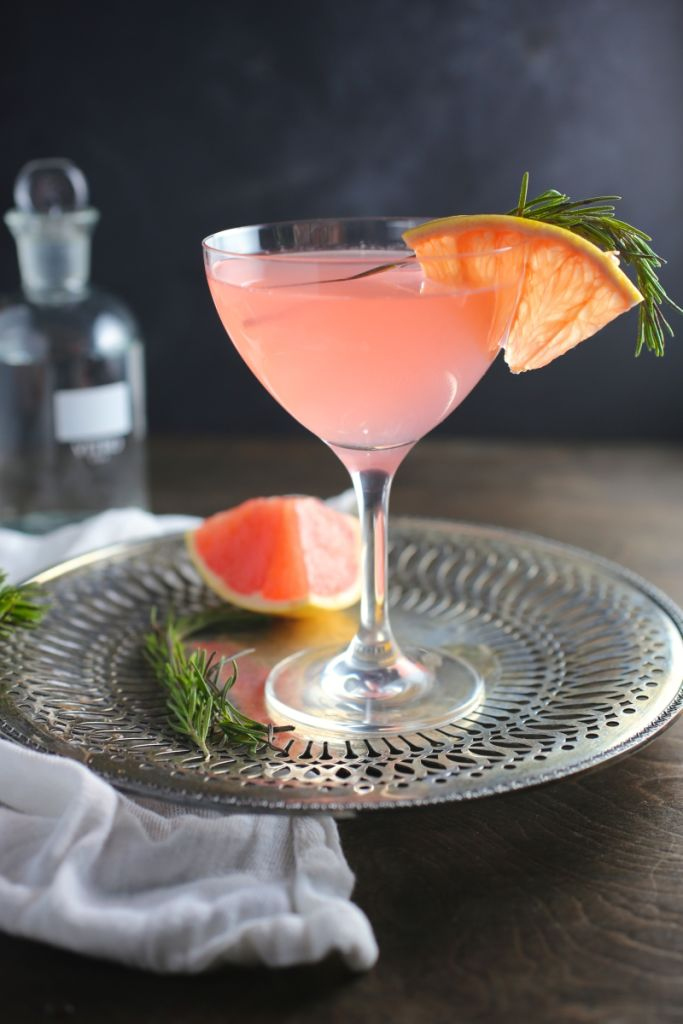 St. Germain Cocktails. Via The Entertaining House. The French Tart via NERDS WITH KNIVES.