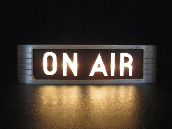 Listen to the entertaining house live on air the for Classic house radio station