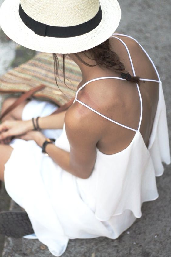 White is Hot! What to wear this summer via The Entertaining House. Image via Stylish Wife.