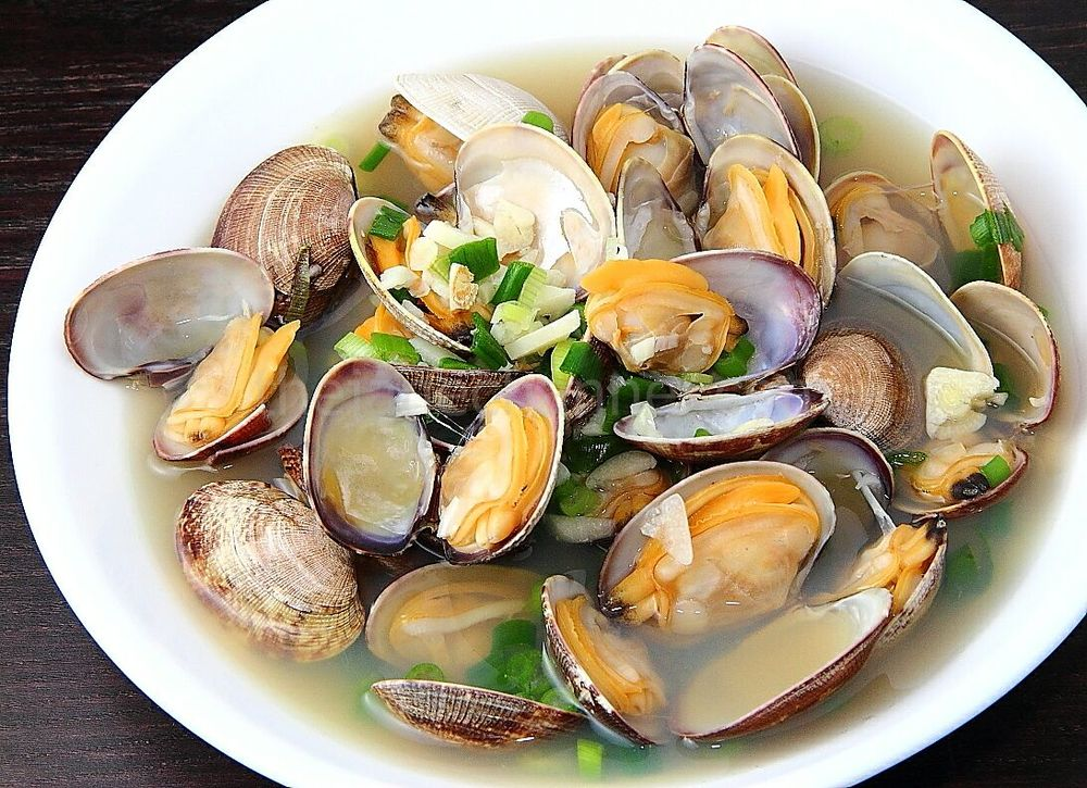 "Eat like a New Englander. ""Steamers"" Image via The Jane Channel"