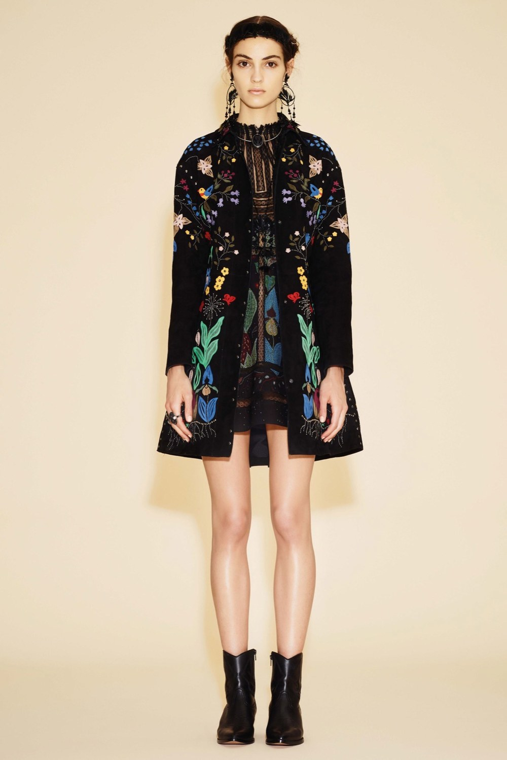Boho-Chic :: Appliqués, Embroidery & Embellishments - The Entertaining House Image via Vogue/Valentino