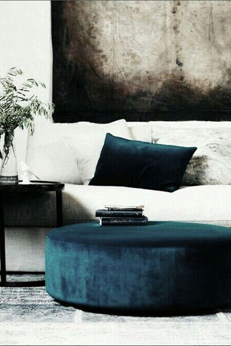 The White Couch :: Your Blank Canvas to Design. Image via Tumblr