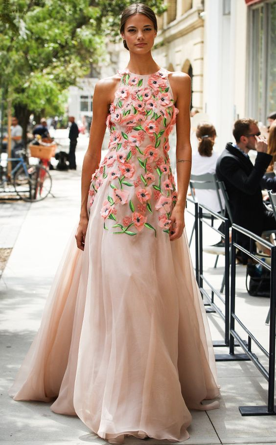 Floral Notes :: What to wear this spring. Image Lela Rose, E Online