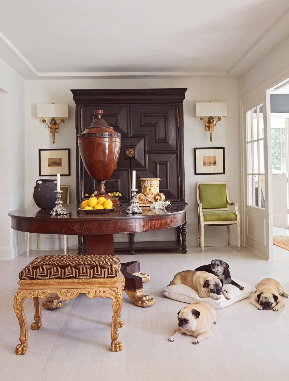 © At Home with Dogs and Their Designers by Susanna Salk, Rizzoli New York, 2017.  All  photography by Stacey Bewkes, unless otherwise  specified.