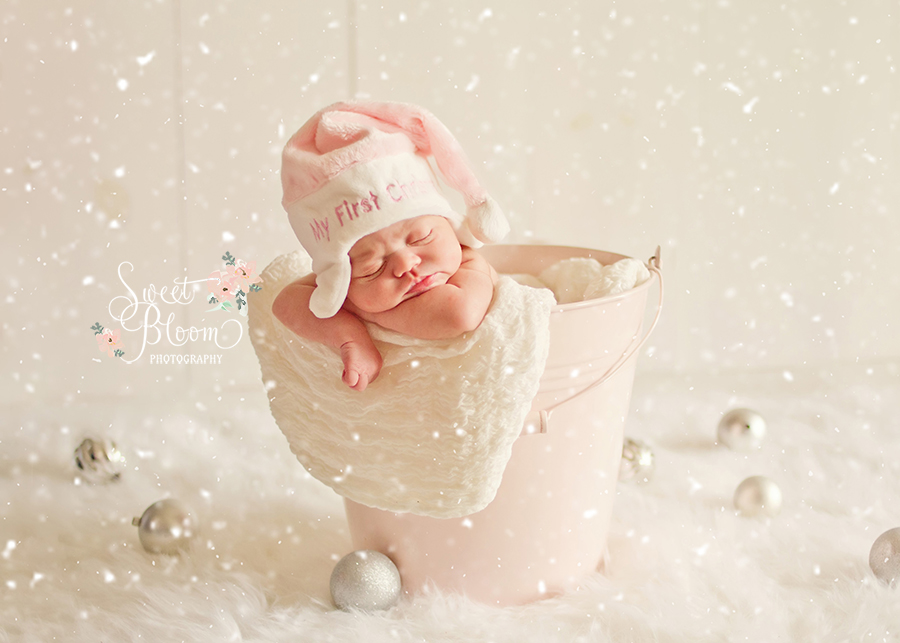 dayton ohio newborn photography studio christmas emma.jpg
