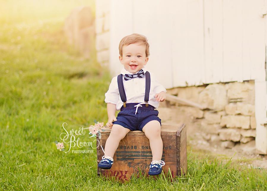 Dayton Ohio Baby 1st Birthday Photographer | Sweet Bloom Photography | www.sweetbloomphotography.com