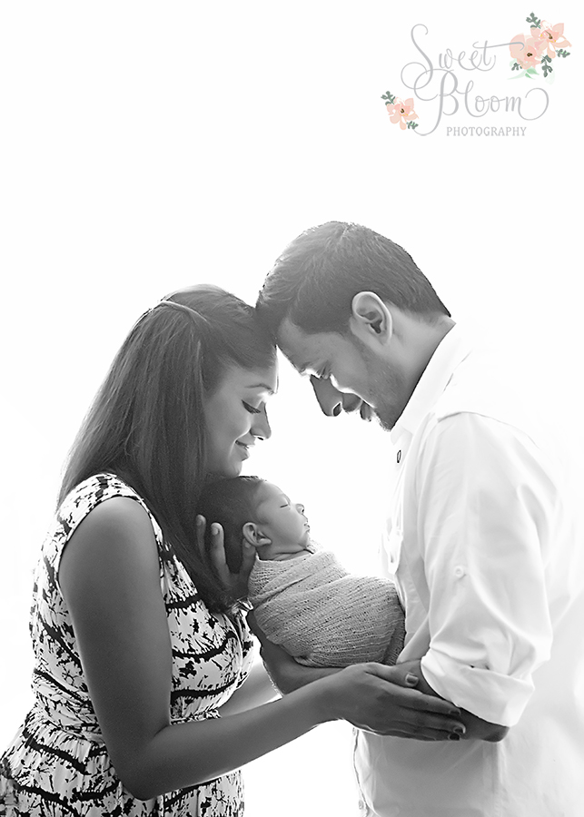Dayton Ohio Newborn Photography Studio | Sweet Bloom Photography | www.sweetbloomphotography.com