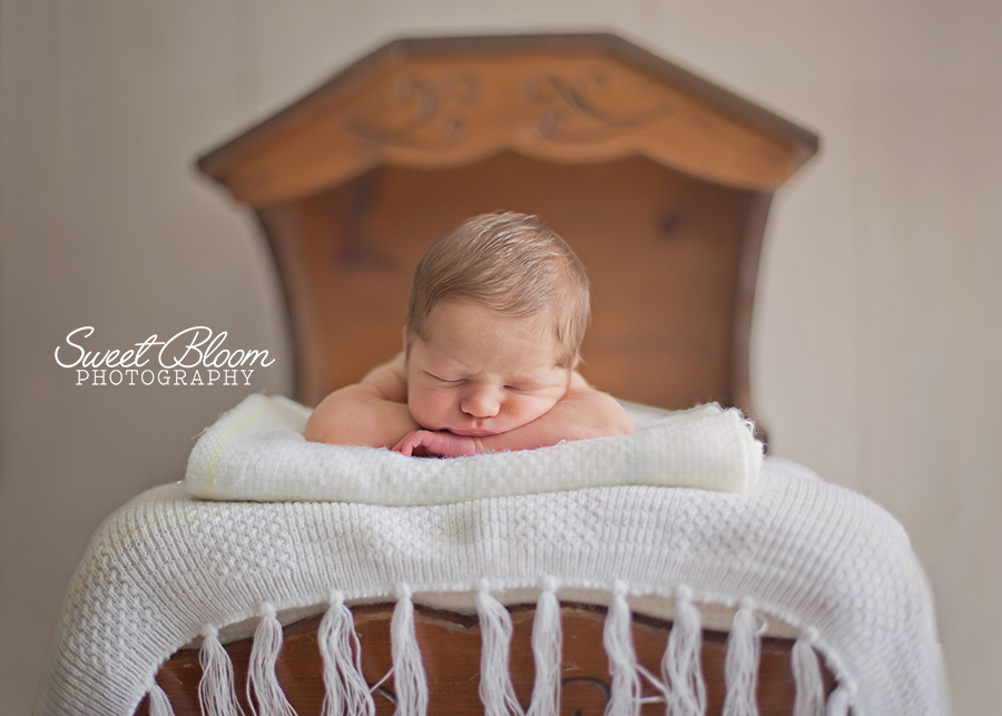 Beavercreek Ohio Newborn Photographer | Sweet Bloom Photography | www.sweetbloomphotography.com