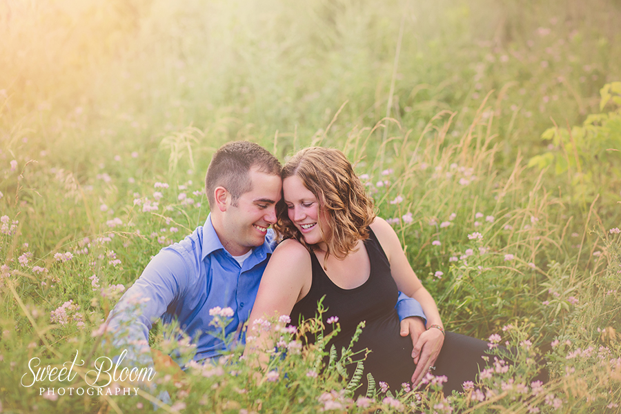 Beavercreek Ohio Maternity Photographer | Sweet Bloom Photography | www.sweetbloomphotography.com