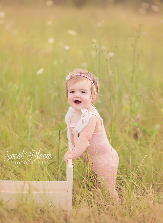 Baby Photographer in Dayton Ohio | Sweet Bloom Photography | www.sweetbloomphotography.com