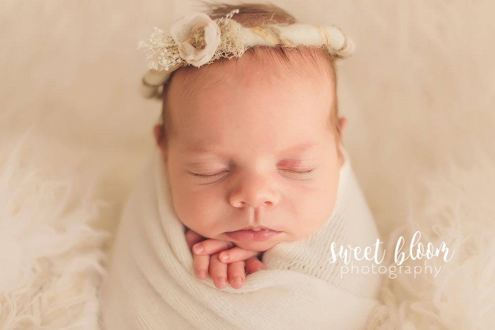 lexington ky newborn photographer caroline1.jpg
