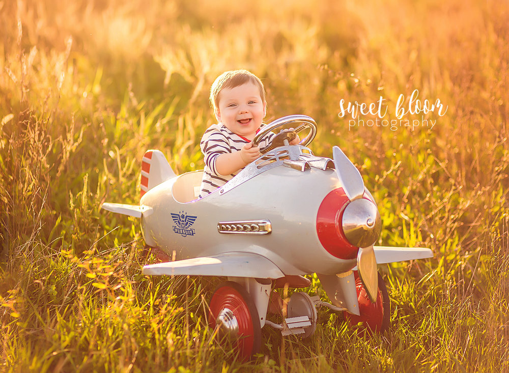 lexington ky baby photographer pictures props airplane.jpg