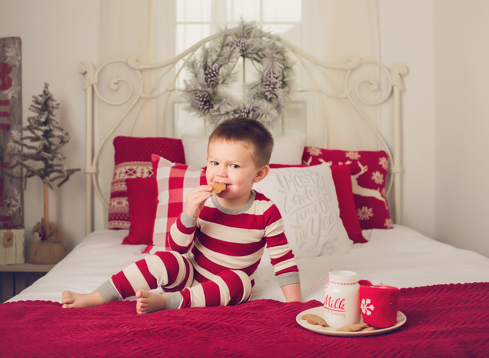 Christmas Pajamas Milk and Cookies Mini Sessions Lexington KY.jpg