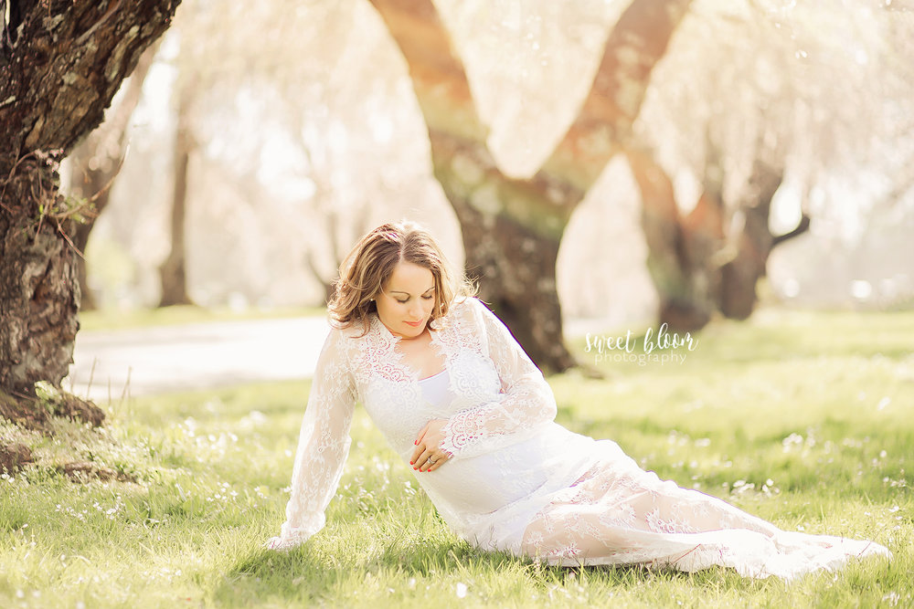 Lexington Kentucky Maternity Photographer Rainbow Baby.jpg